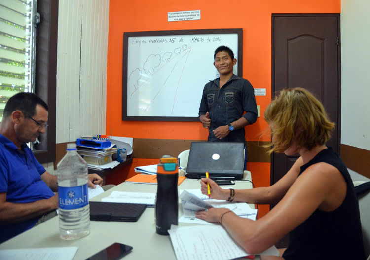 Rogelio teaching Spanish to expats in Bocas del Toro, Panama